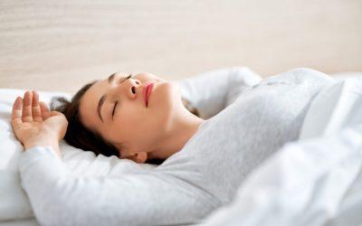 5 hábitos simples que te ajudarão a dormir melhor