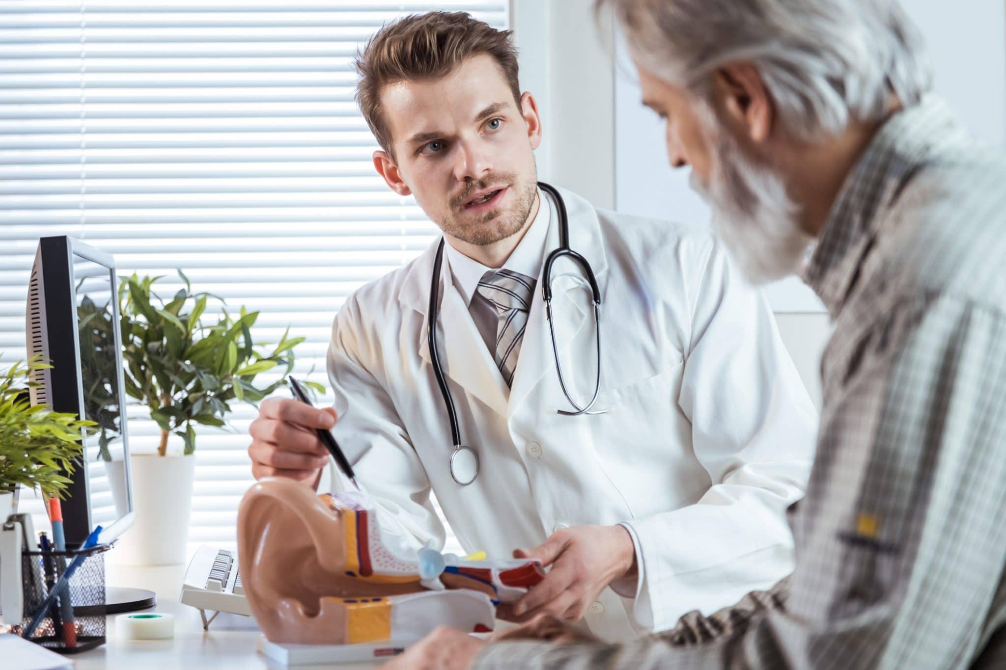 o que faz um otorrinolaringologista